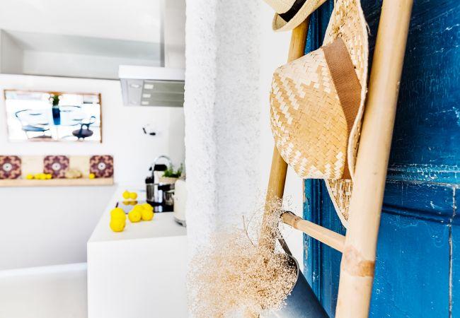 Apartment in Barcelona - CASA FLORIDA TERRACE SUITE