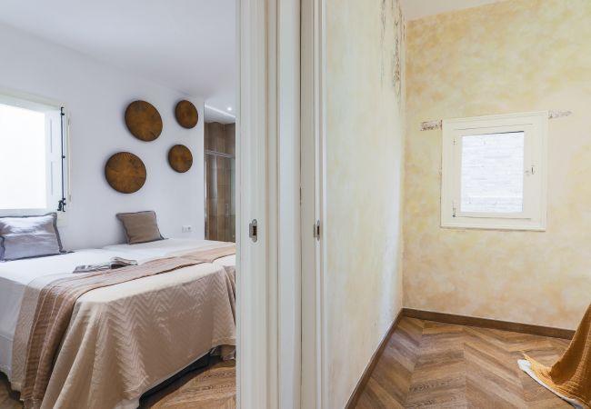 Apartment in Barcelona - CASA CARME TERCERO