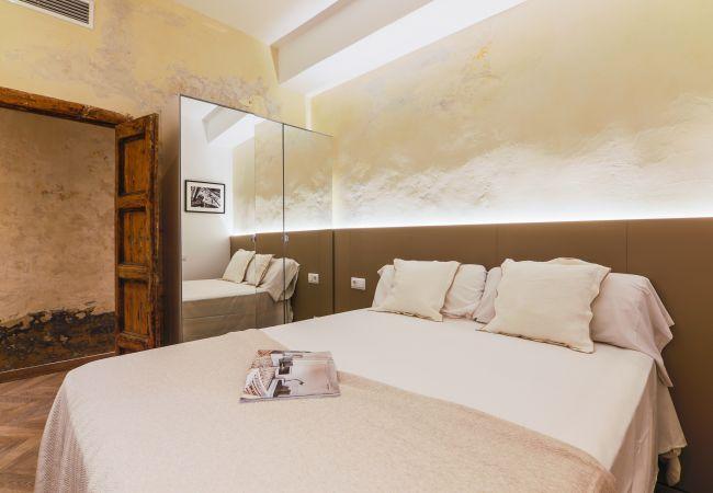 Apartment in Barcelona - PRIMERO CARME